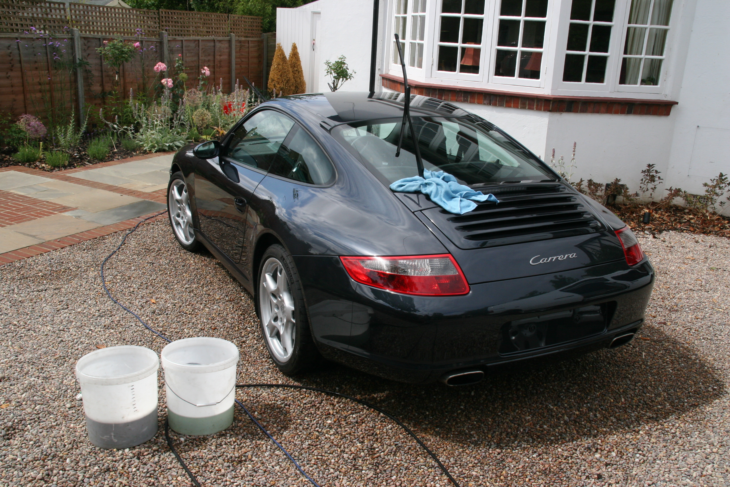 porsche-carrera-car-detailing-surrey-all-that-gleams-23_0