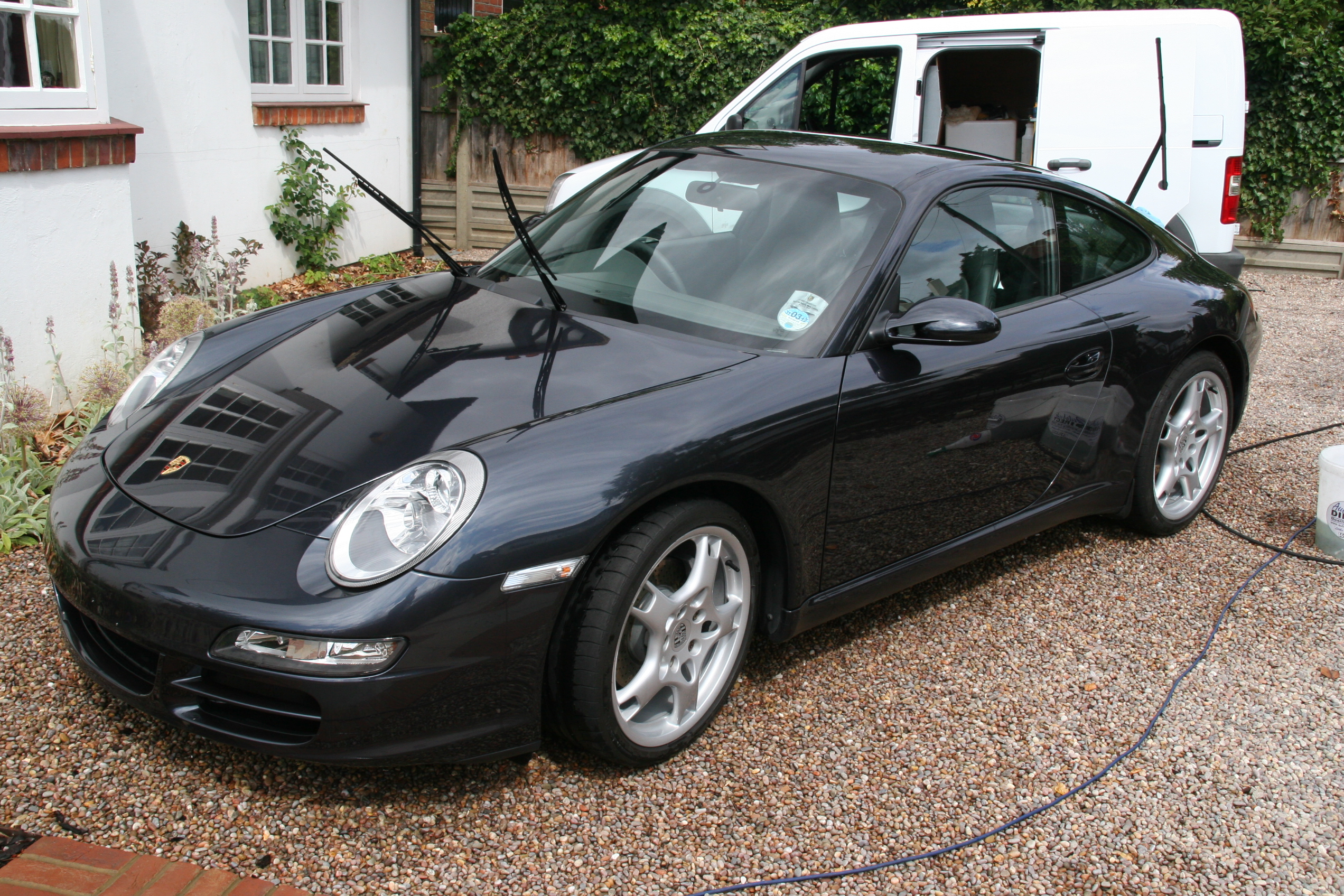 porsche-carrera-car-detailing-surrey-all-that-gleams-24_0